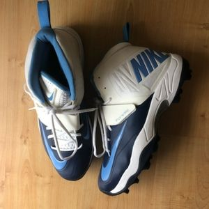 A pair of Nike Flywire cleats for sale! Like new!